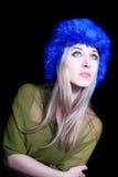 piękni błękitny kapeluszowi zima kobiety potomstwa Fotografia Royalty Free