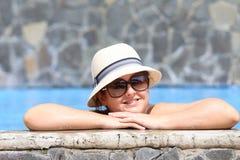 piękni basenu kobiety potomstwa zdjęcia royalty free
