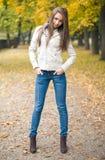piękni chłodni ubierający modela pogody potomstwa obraz royalty free
