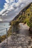 piękni cinque Italy Liguria miłości kochankowie terre jeden ścieżek pedestrians drogi terre Zdjęcie Royalty Free
