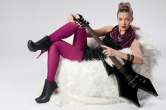 piękni czarny dziewczyny gitary skały potomstwa Fotografia Royalty Free