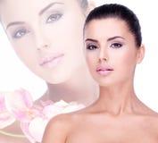 piękni czysty twarzy skóry kobiety potomstwa zdjęcie stock