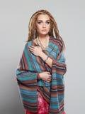 Piękni dziewczyna hipisi z dreadlocks piękne kobiety young Zdjęcie Stock