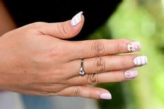 Piękni gwoździe dla kobiet Zdjęcia Royalty Free