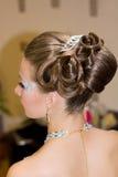 Piękni hairdress dla panny młodej Zdjęcia Royalty Free