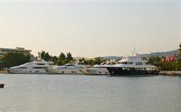 Piękni luksusowi jachty Fotografia Royalty Free