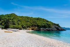 Piękni Megie Ammos wyrzucać na brzeg przy Syvota, Grecja Obraz Stock