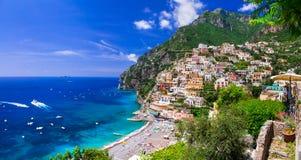 Piękni miasteczka przybrzeżne Włochy - sceniczny Positano w Amalfi coa obrazy royalty free
