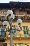 Piękni okno, balkony i Zatarci fresk, - Verona 8 obrazy royalty free