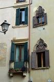 Piękni okno i balkony - Verona 11 fotografia stock