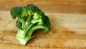 Piękni, organicznie świeżo myjący odosobneni brokuły, strzelali 3 zdjęcie royalty free