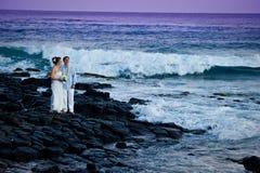 piękni pary właśnie zamężni potomstwa fotografia stock