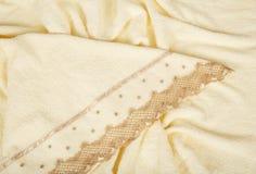 Piękni ręczniki z broderią przeciw fotografia stock