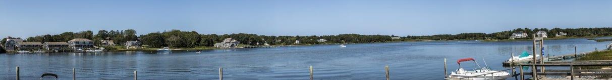 Piękni starzy domy, plaże i jeziora przy Yarmouth, Massachus obraz stock