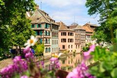 Piękni starzy domy w Strasburg, Francja zdjęcie royalty free