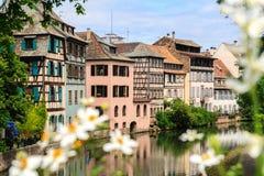 Piękni starzy domy w Strasburg, Francja obrazy stock