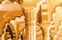 Piękni szczegóły na Agra fortu łukach Zdjęcie Royalty Free
