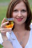 piękni target661_0_ plenerowi wina kobiety potomstwa zdjęcie royalty free