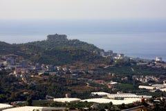 Piękni widoki miasto przedmieście Alanya, denny i halny, Mahmutlar, Turcja Fotografia Stock