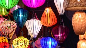 Piękni Wietnamscy lampiony przy nocą w Hoi zbiory
