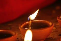 Pięknie nafciane lampy zaświecali dla hinduskiego diwali festiwalu zdjęcie royalty free
