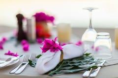 pięknie słuzyć stół fotografia stock