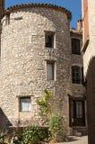Piękno kamienia dom w Sault, Provence zdjęcie stock