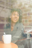 Piękno kobieta w kawiarni Zdjęcia Stock