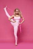 Piękno kobiety sporta joga pilates sprawności fizycznej ciała seksowny kształt odziewa zdjęcia stock
