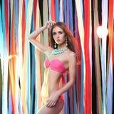 Piękno młoda kobieta w bikini Zdjęcia Stock