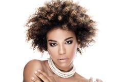 Piękno portret elegancka amerykanin afrykańskiego pochodzenia kobieta Zdjęcia Royalty Free