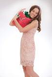 Piękno portret młoda kobieta szczęśliwy kochany prezent zdjęcie stock