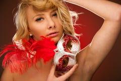 Piękno portret Piękna młoda blondynki kobieta z Venice carn Obrazy Stock