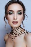 Piękno portreta dziewczyny modela makijażu zieleni oczy fotografia royalty free