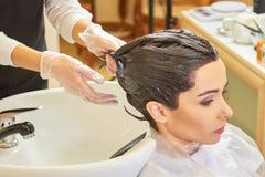 Piękno salonu klient, włosiany konanie zdjęcie stock