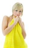 piękno spa Żółty ręcznik kobiety zdjęcia stock