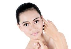 Piękno twarz piękna kobieta z czystą świeżą skórą Zdjęcie Stock