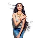 Piękno wzorcowa dziewczyna z długim prostym latającym włosy zdjęcia royalty free
