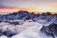 Piękno zakrywający z chmurami przy Rys w Tatras Zdjęcie Stock
