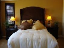 piękny łóżkowy pokój Zdjęcia Royalty Free