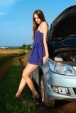 piękny łamał samochodowej kraju puszka dziewczyny Obrazy Royalty Free