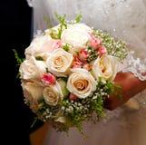 Piękny ślubny bukiet białe róże Zdjęcia Stock