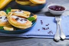 Piękny śniadaniowy bananowy fritter dekorujący frieds additives Obraz Stock