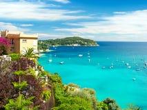 Piękny śródziemnomorski krajobraz, francuski Riviera Obrazy Stock