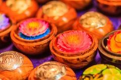 Piękny świeczki Aromatyczny robić przypominać lotosu Kolorowy c fotografia royalty free