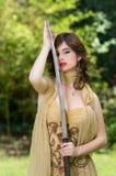 Piękny żeński wojownik z kordzikiem Zdjęcie Royalty Free