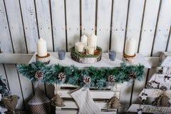 Piękny żywy pokój dekorujący dla bożych narodzeń Obraz Stock