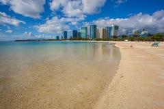 Piękny ałunu Moana plaży park Oahu Hawaje zdjęcie stock