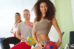 Piękny afro kobiety ćwiczyć Zdjęcia Stock