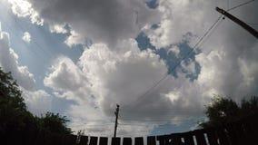 Piękny ampuł chmur czasu upływ zbiory